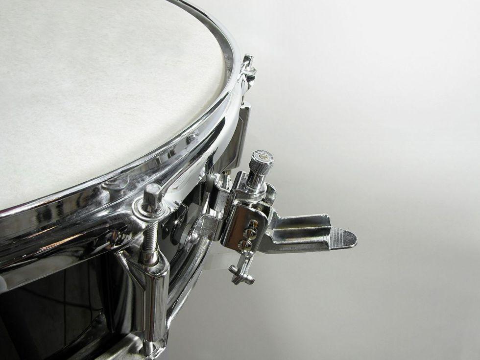 1280px-snare_drum_strainer